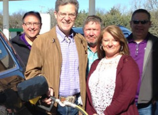 Kansas Governor Touts Higher Ethanol Blends at Garnett Station
