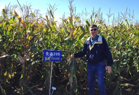 Kansas Corn Farmer Shares Biotechnology Experience with Chinese Growers