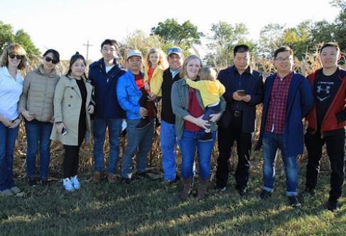 Kansas Corn Hosts Top Chinese Grain Buyers