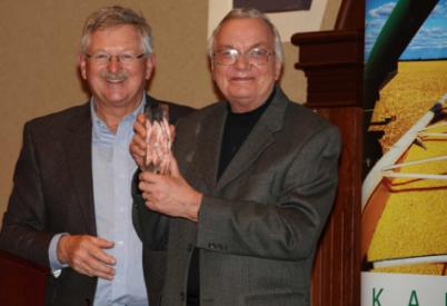 Kelly Lenz Receives Kansas Corn Impact Award