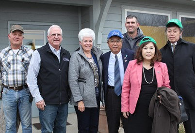 Japanese Ambassador Visits Kansas Farm Before Trade Agreement Is Finalized